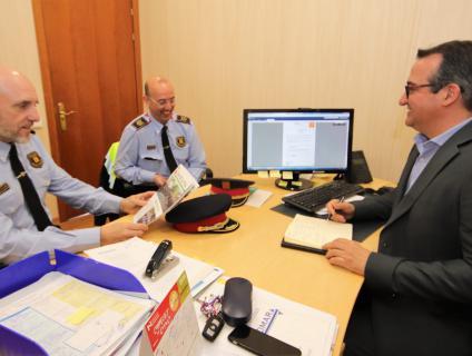 Visita dels comandaments dels Mossos d'Esquadra a l'Aleixar